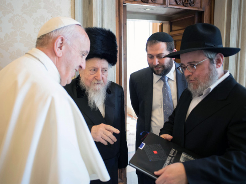 Pope Francis meets with Rabbi Edgar Gluck, Chief Rabbi of Galicia, center, during a private audience at the Vatican on May 8, 2017. Photo courtesy of L'Osservatore Romano